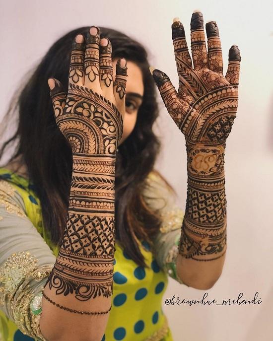 Bridal Finger Mehendi Design