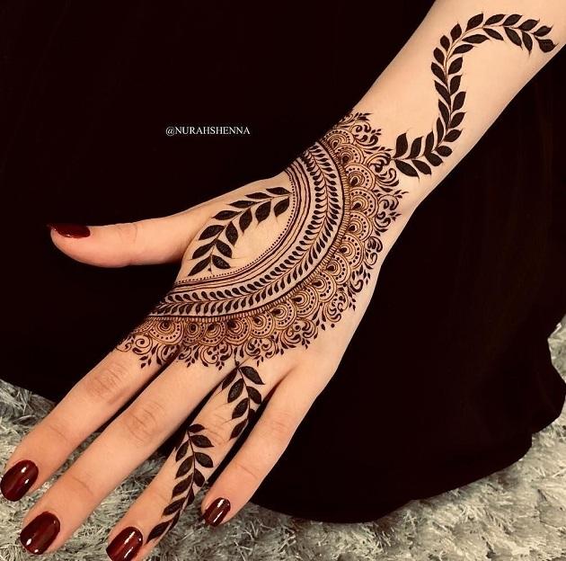 Khafif Finger Mehndi Design