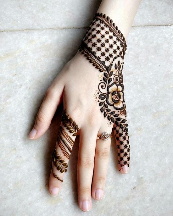 Little Finger Mehendi Design