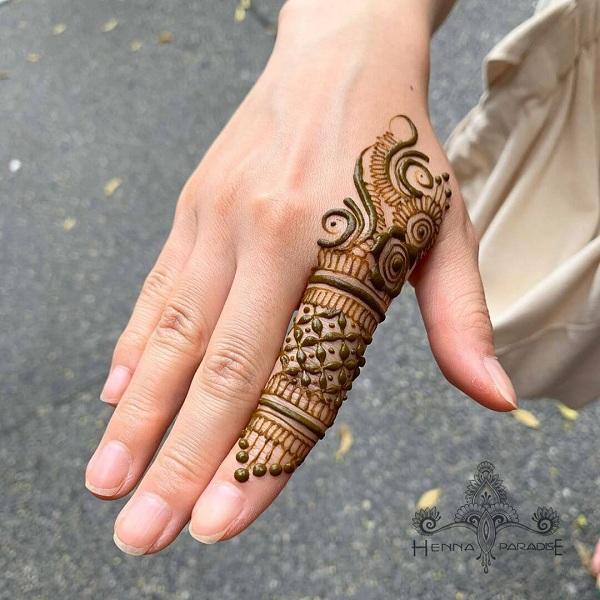 One Finger Mehandi Design