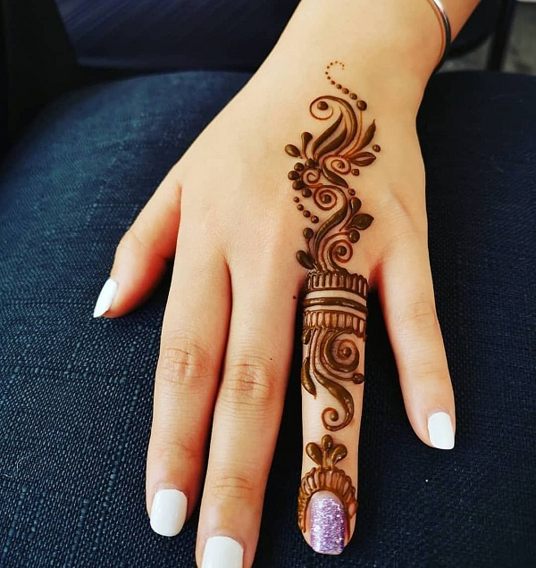 Ring Finger Mehandi Design